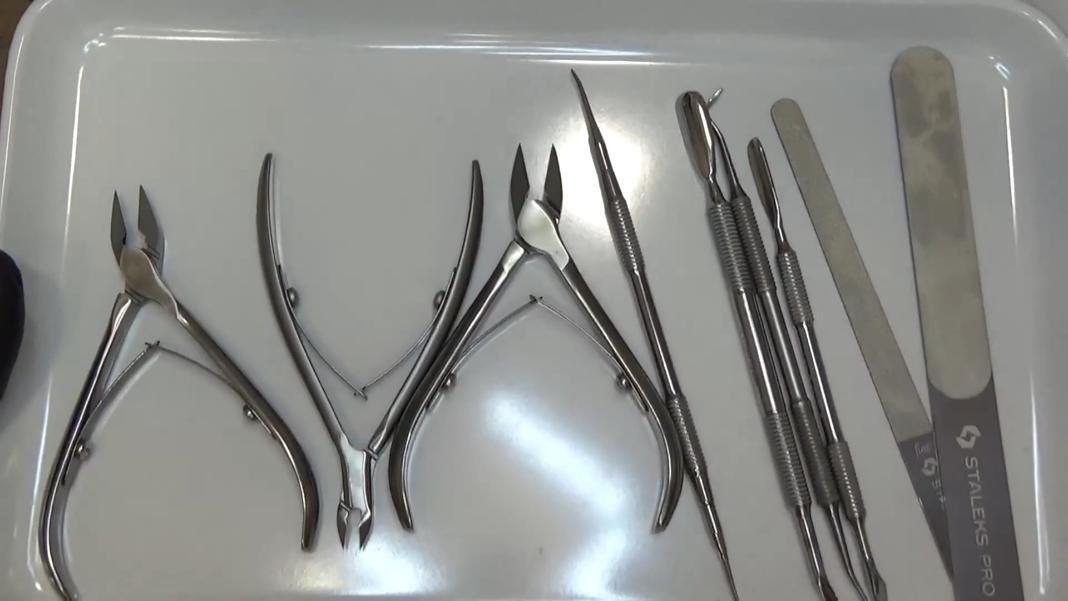 (05.2020) Обработка на ноктите при педикюр с инструменти - II част